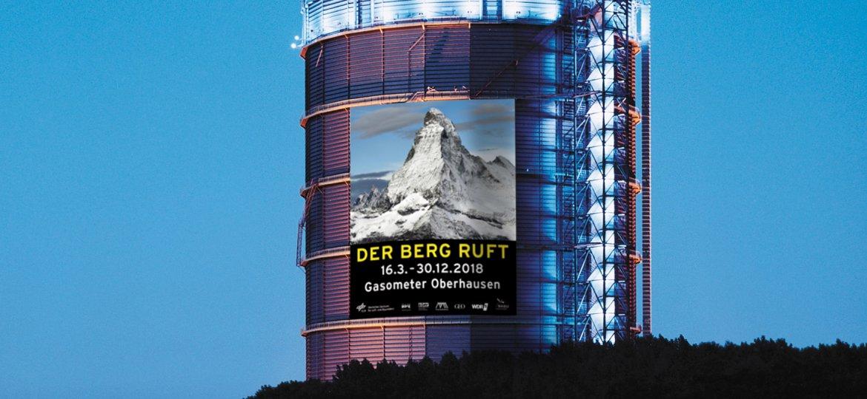 Gasometer Oberhausen mit Megaposter Der Berg ruft_2018 Montage