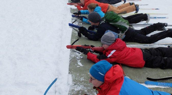 Die Jugendgruppe kann nicht nur gut Klettern – Biathlon und Ski-Alpin im Sauerland