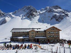 17. Schneesportreise zur Dresdner Hütte, Ostern 2021 @ Stubaier Gletscher